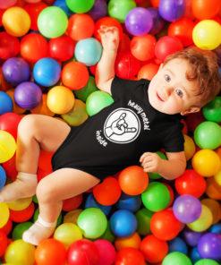 """Petit bébé portant un body rock """"Heavy MEtal Inside"""" de couleur noire"""
