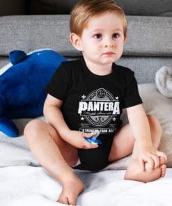 Bébé portant un body Pantera noir