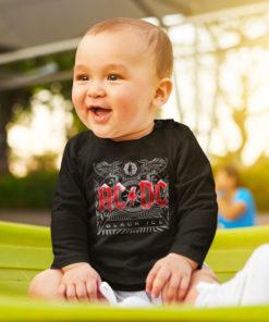 Bébé portant un T-shirt ACDC bébé à manches longues de couleur noire
