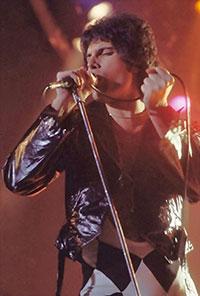 Freddie Mercury, chanteur du groupe rock Queen