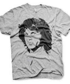 T-shirt gris avec le portrait de Jim Morrison, cofondateur du groupe de rock The Doors