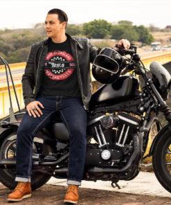 Homme et sa moto qui porte un t-shirt BSA Motocycles noir