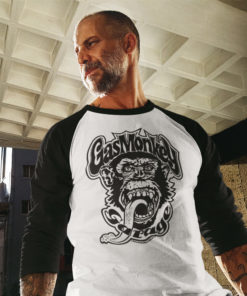 Homme portant un T-shirt Gas Monkey Garage à manches longues