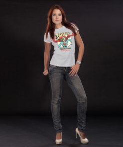 Femme portant un T-shirt Supergirl gris