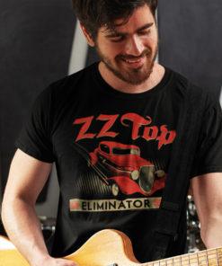 Joueur de guitare portant un t-shirt ZZ top pour homme