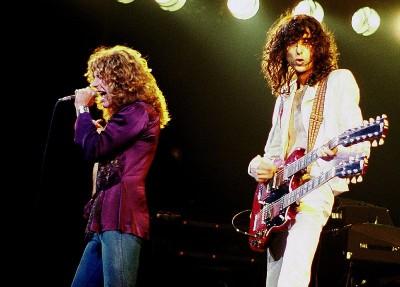 Robert Plant (gauche) & Jimmy Page (droite) du groupe Led Zeppelin