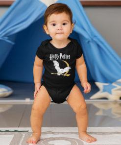 Bébé portant un body Harry Potter de couleur noire